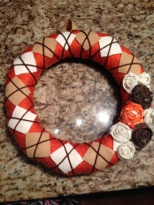 Argyle-inspired fall wreath - 3moons.co